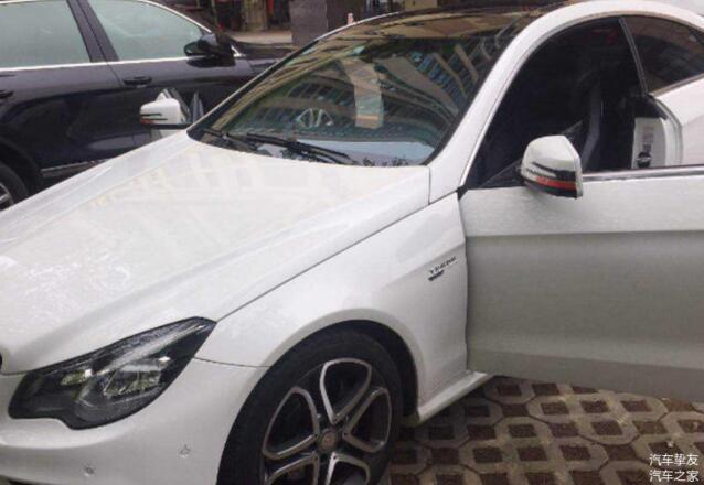 停车怕被划就折叠后视镜 老司机表示新手才这样做 车子反而更受伤