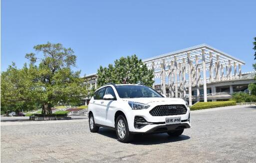 人大代表建议取消汽车限购,6.6万哈弗M6就是年轻家庭最理想购买的SUV