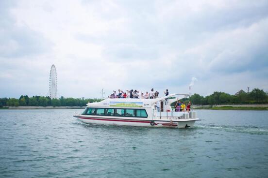 我与奔腾T77的泰安天颐湖之约,佳人相伴国潮行动