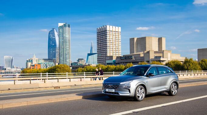 权威认证 现代汽车XCIENT Fuel Cell氢燃料重卡获氢能与燃料电池技术创新奖