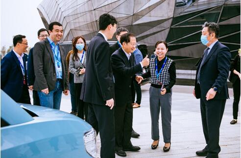 """宏光MINIEV被赞""""新能源国货之光"""",上汽通用五菱闪耀全球未来出行大会!"""