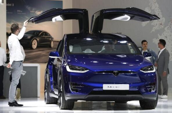 美国要求特斯拉召回15.8万辆车
