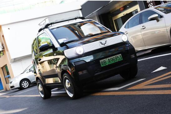 全民改装!宏光MINIEV开创中国新能源车潮创文化,线下粉丝潮创盛典将于3月举行