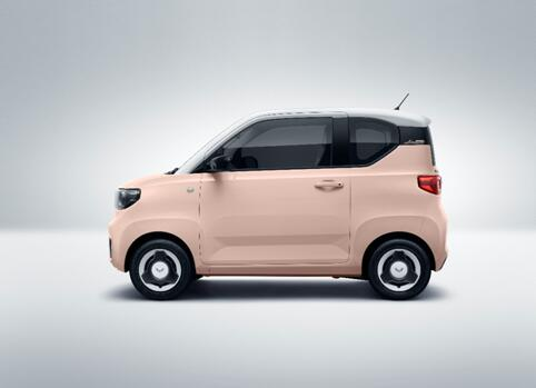 """宏光MINIEV新款命名为""""马卡龙"""",联合潘通定义三款汽车春色时尚来袭"""